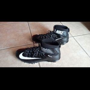 LUNARBEAST Nike Skin Elite Football Cleats